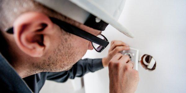 Assicurazione Fenomeno Elettrico: la polizza che copre gli incidenti elettrici