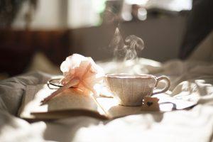 tazza sul letto