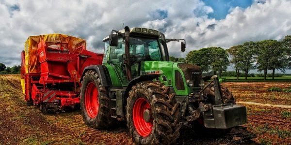 Assicurazione trattore agricolo: la RC per i veicoli uso professionale